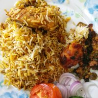 Hyderabadi Kachi Yakhni Chicken Biryani